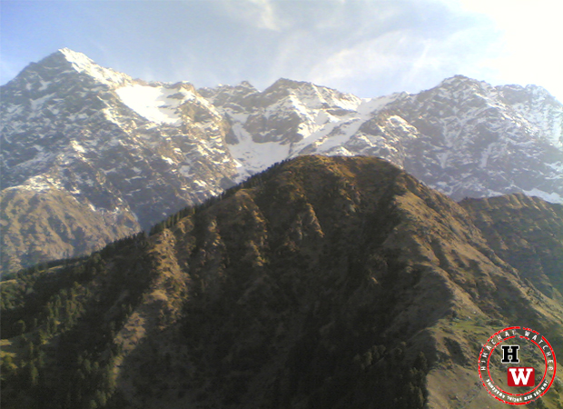 himani-chamunda-mandir-mountains