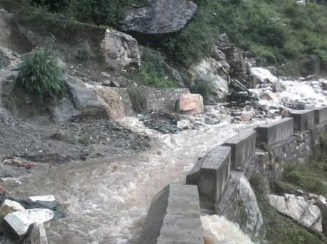 cloudburst-and-heavy-rainfall-in-himachal-causes-extensive-2