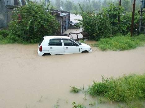 cloudburst-and-heavy-rainfall-in-himachal-causes-extensive-damage-9