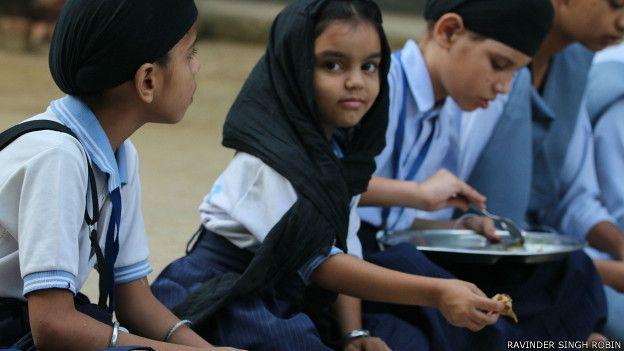150917135837_bhai_dharam_singh_khalsa_trust_girls__624x351_ravindersinghrobin