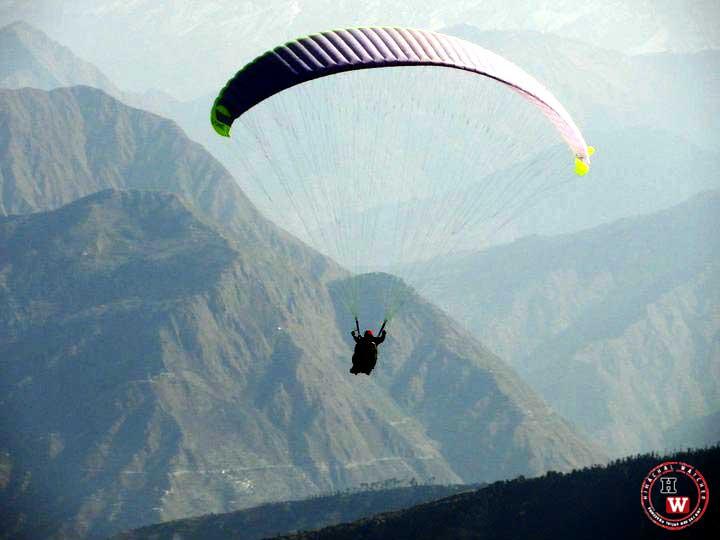 Paragliding-Himachal-Anita-Buckseth