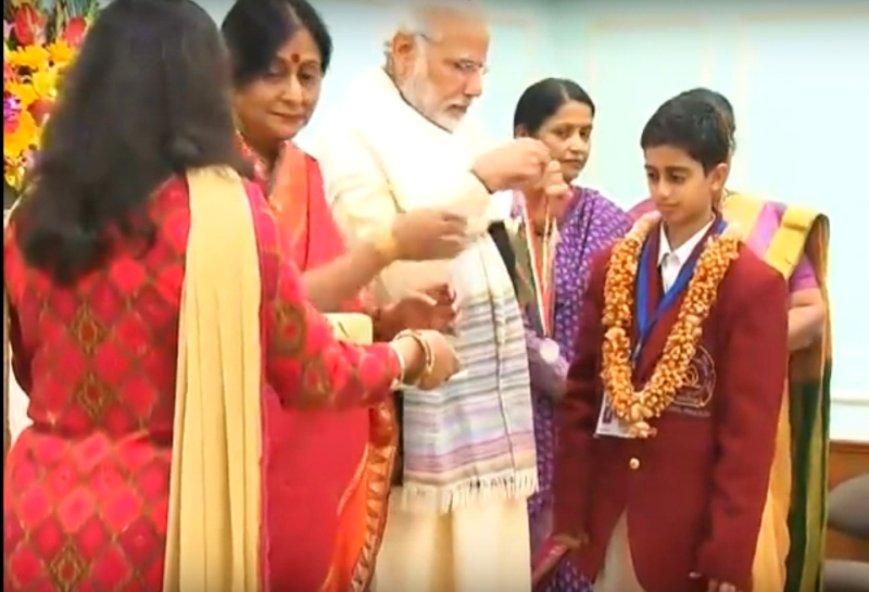 prafful-gets-bravery-award-from-pm-modi
