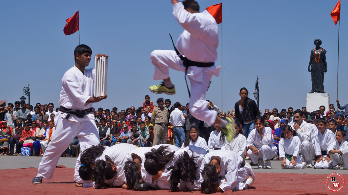 Shimla-kids-Performing-at-Himachal-Day