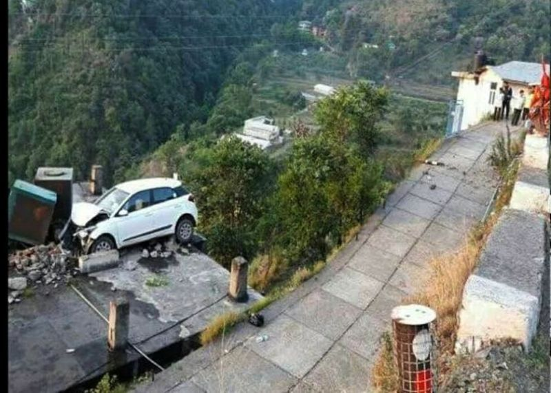 Himachal Road Accident