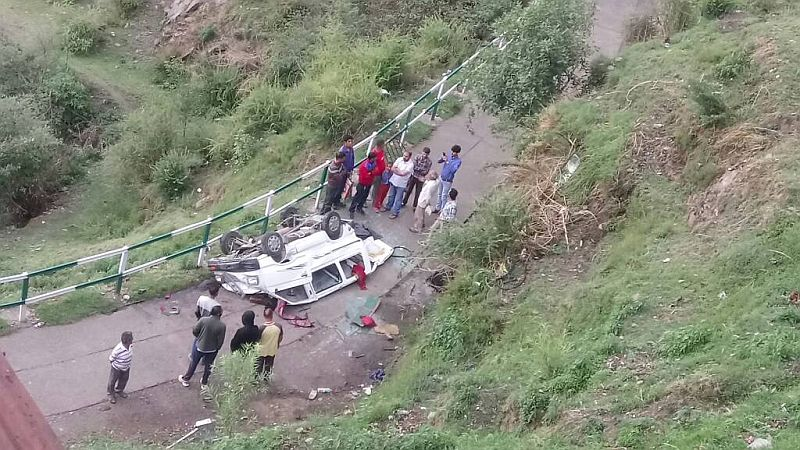 Roads accident in shimla